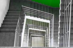 Escalera en centro de negocios Foto de archivo
