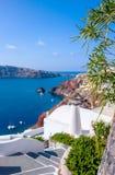 Escalera en el pueblo de Oia en la isla de Santorini en Grecia Imagenes de archivo