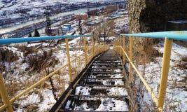 ¡Escalera en una montaña! Foto de archivo