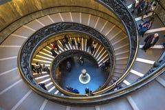 Escalera espiral en el museo del Vaticano en la Ciudad del Vaticano Fotos de archivo libres de regalías