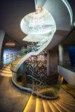 Escalera espiral en pasillo del hotel Fotografía de archivo libre de regalías