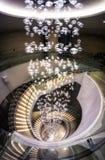 Escalera espiral en pasillo del hotel Fotos de archivo libres de regalías