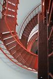 Escalera espiral interior del faro de Piedras Blancas en la costa central de California Imágenes de archivo libres de regalías