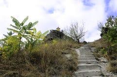 Escalera a la capilla en la colina Imágenes de archivo libres de regalías