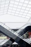 Escalera móvil de la alameda de compras Foto de archivo libre de regalías