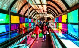 Escalera móvil en el aeropuerto de Madrid Barajas Fotografía de archivo libre de regalías