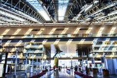 Escalera móvil en el JR Osaka Station Imágenes de archivo libres de regalías