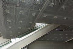Escalera móvil larga del pasajero Fotografía de archivo