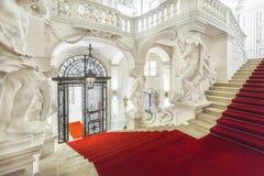 Escalera magnífica del palacio del invierno de príncipe Eugene Savoy en Vien Fotos de archivo libres de regalías