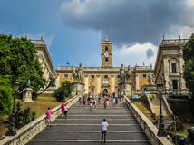 Escalera a Miguel Ángel - la colina de Capitoline en Roma, Italia Fotografía de archivo libre de regalías