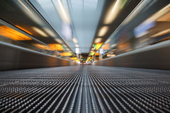 Escalera móvil del aeropuerto Foto de archivo libre de regalías