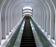 Escalera móvil futurista Imagen de archivo
