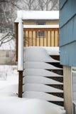 Escalera nevada en invierno Foto de archivo