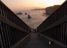 Escalera para descascar la playa Imagen de archivo