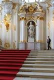 Escalera principal del palacio del invierno de la ermita Fotografía de archivo libre de regalías