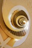 Escalera que tuerce en espiral Fotos de archivo