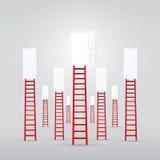 Escalera roja hasta el éxito abierto de la puerta Imagen de archivo