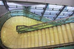 Escalera, subida de la escalera Imagen de archivo