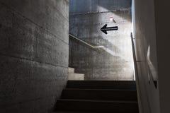 Escalera vacía en el espacio de Ventura Lambrate durante la semana de Milan Design Fotografía de archivo libre de regalías