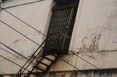 Escalera vieja del hierro Foto de archivo