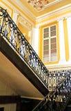 Escalera vieja en el edificio viejo Imagenes de archivo
