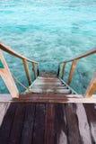Escaleras abajo al agua Foto de archivo