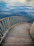 Escaleras abajo al agua Imagen de archivo
