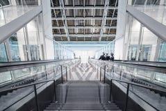 Escaleras abajo en el pasillo Imagen de archivo libre de regalías