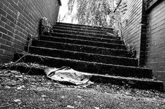 Escaleras abandonadas Fotos de archivo libres de regalías