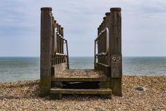 Escaleras al mar cerca de la bahía de Pevensey Fotografía de archivo libre de regalías