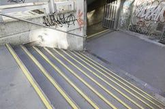 Escaleras al metro de Lisboa Imágenes de archivo libres de regalías