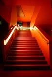 Escaleras anaranjadas fotografía de archivo