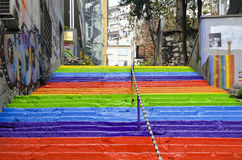 Escaleras coloreadas arco iris en Estambul Fotografía de archivo libre de regalías
