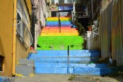 Escaleras coloridas de LGBTQ en Estambul Turquía fotos de archivo libres de regalías