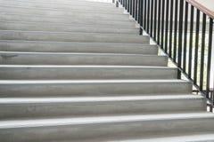 Escaleras concretas modernas abstractas Imagen de archivo libre de regalías