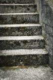 Escaleras concretas viejas Fotos de archivo libres de regalías