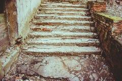 Escaleras concretas viejas Imagenes de archivo