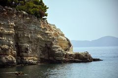 Escaleras curvadas en el mar griego imágenes de archivo libres de regalías