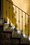 Escaleras de la aldea de Italia Scalea fotos de archivo libres de regalías