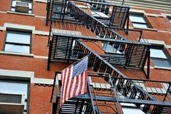 Escaleras de la bandera americana y del emercency Foto de archivo