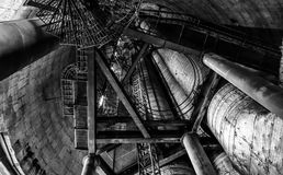 Escaleras de la chimenea de la central eléctrica Imágenes de archivo libres de regalías