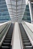 Escaleras de la escalera móvil Imagen de archivo libre de regalías