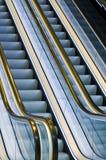 Escaleras de la escalera móvil Imagen de archivo