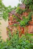 Escaleras de la montaña a Buda grande leshan Imagenes de archivo