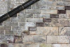 Escaleras de la pared Fotografía de archivo libre de regalías