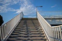 Escaleras de la pasarela Fotos de archivo libres de regalías