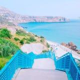 Escaleras de la playa de la turquesa imagen de archivo