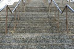 Escaleras de mármol con la verja del metal Fotos de archivo libres de regalías