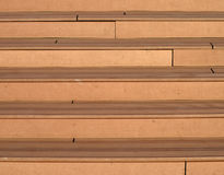 Escaleras de madera modernas al exterior Imagenes de archivo