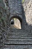 Escaleras de piedra viejas imagenes de archivo